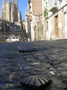 IMG_9447 Burgos bronzen schelpen in straat 11e etappe